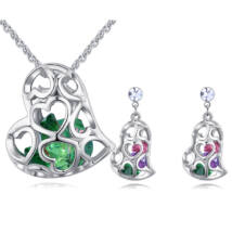 Kristályos szívek - Swarovski kristályos ékszerszett - zöld