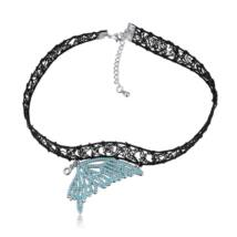 Gótikus csipkés nyaklánc- pillangó szárny alakú medállal- világoskék