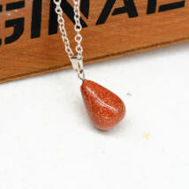 Csepp alakú természetes kőből készült nyaklánc - barna csillogós