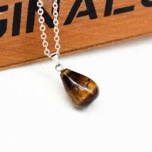 Csepp alakú természetes kőből készült nyaklánc - barna cirmos