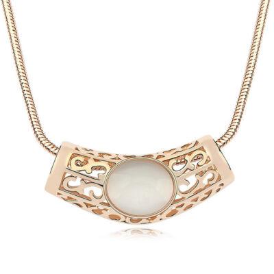 Gaia - fehér opál- Swarovski kristályos nyaklánc
