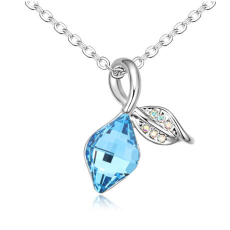 """Kék hurok"" - világoskék- Swarovski kristályos nyaklánc"