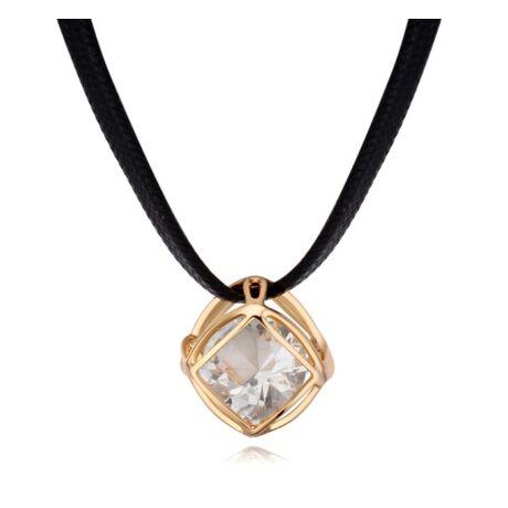 Kockában kristály- arany- Swarovski kristályos nyaklánc - fehér