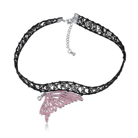 Gótikus csipkés nyaklánc- pillangó szárny alakú medállal- rózsaszín